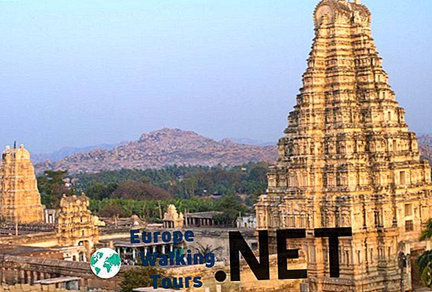 10 Amazing Hindu Temples